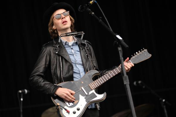Beck Announces L.A. 'Song Reader' Concert, Teams With Warby Parker
