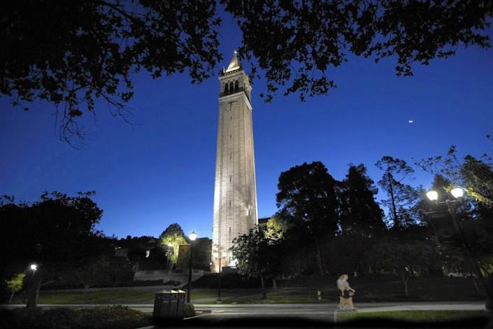 """Sather Tower on the UC Berkeley campus. <span class=""""copyright"""">(Bob Chamberlin / Los Angeles Times)</span>"""