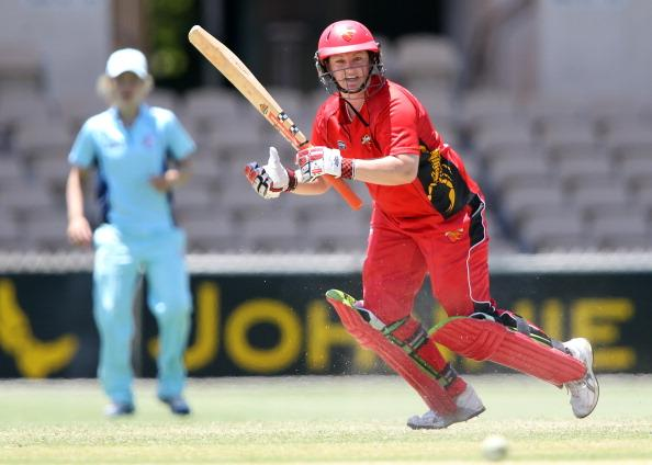 ADELAIDE, AUSTRALIA - JANUARY 05:  Karen Rolton of the Scorpions bats during the WNCL match between the South Australian Scorpions and the New South Wales Breakers at Adelaide Oval on January 5, 2011 in Adelaide, Australia.  (Photo by Morne de Klerk/Getty Images)