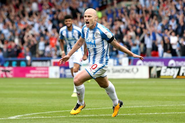 Aaron Mooy scores Huddersfield's winner against Newcastle United at John Smith's Stadium on August 20, 2017