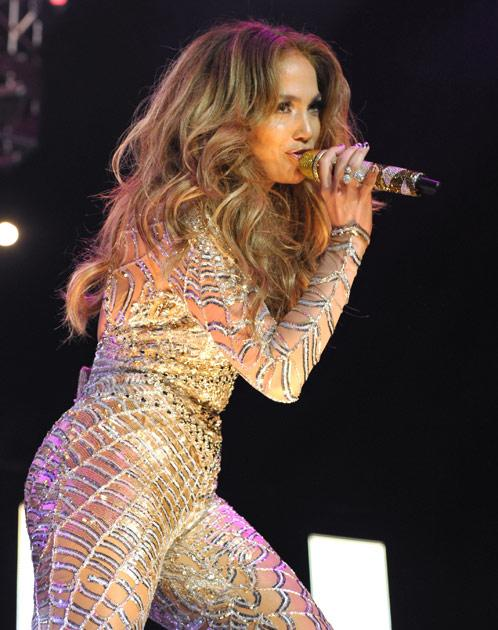 For Jennifer Lopez, there are things that matter more than her voice. She has insured her derriere for $ 300 million.