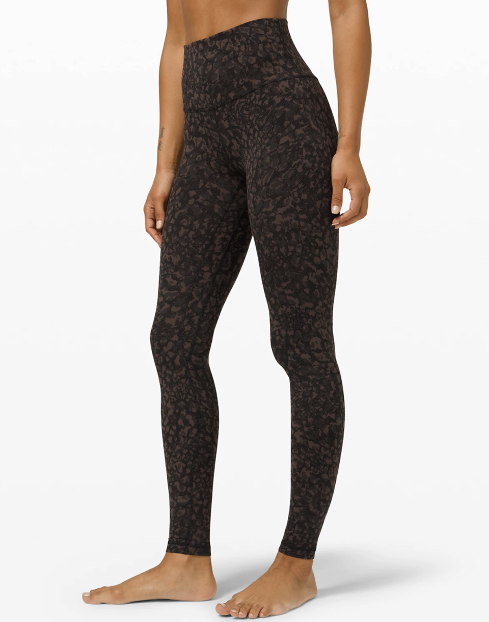 "<p><strong>Lululemon</strong></p><p>lululemon.com</p><p><a href=""https://go.redirectingat.com?id=74968X1596630&url=https%3A%2F%2Fshop.lululemon.com%2Fp%2Fwomen-pants%2FAlign-Pant-Full-Length-28-MD%2F_%2Fprod8840324&sref=https%3A%2F%2Fwww.seventeen.com%2Ffashion%2Fg34041215%2Flululemon-black-friday-deals-2020%2F"" rel=""nofollow noopener"" target=""_blank"" data-ylk=""slk:Shop Now"" class=""link rapid-noclick-resp"">Shop Now</a></p><p><strong><del>$98</del> $69 (30% off)</strong></p><p>I am literally wearing <a href=""https://shop.lululemon.com/"" rel=""nofollow noopener"" target=""_blank"" data-ylk=""slk:Lululemon"" class=""link rapid-noclick-resp"">Lululemon</a>'s famous <a href=""https://shop.lululemon.com/p/women-pants/Align-Pant-Full-Length-28-MD/_/prod8840324"" rel=""nofollow noopener"" target=""_blank"" data-ylk=""slk:Align Pant"" class=""link rapid-noclick-resp"">Align Pant</a> as I write this story – <em>that's</em> how good they are. </p>"
