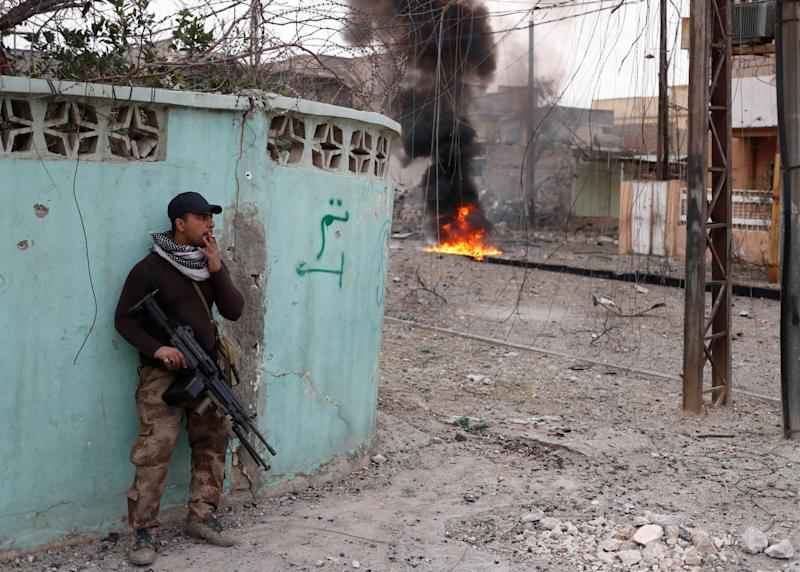 Iraq troops security forces ISIS Mosul combat fighting shootout
