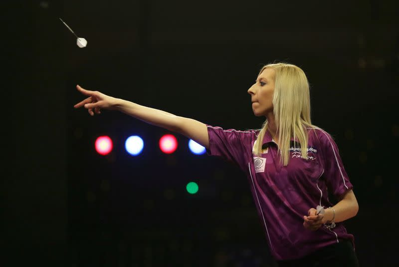 Darts: Sherrock continues fairytale run as 'Queen of the Palace'