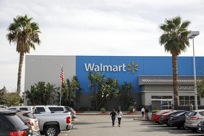 Walmart acknowledged that a donation from Bears' LB Khalil Mack wasn't handled properly. (Patrick T. Fallon/Bloomberg)