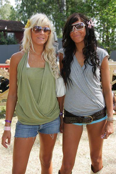 <p>These two BFFs bring Snooki and JWoww realness, and hair flowers, to street style. </p>