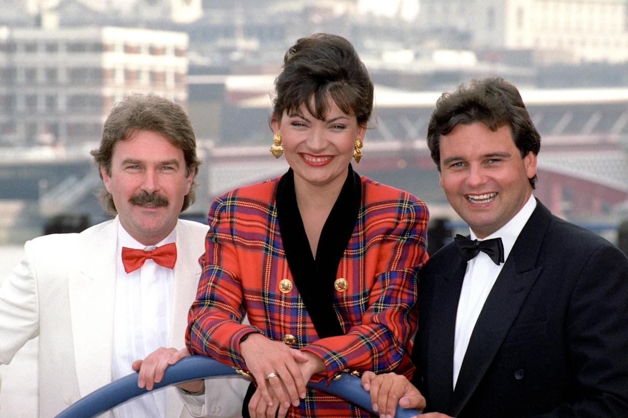 GMTV presenters, Michael Wilson, Eamonn Holmes and Lorraine Kelly before the launch of the morning television programme.   (Photo by Jim James - PA Images/PA Images via Getty Images)