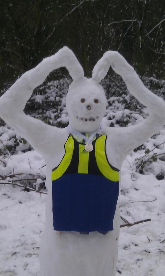 A tribute to Olympic medalist Mo Farah sees the snowman do the snowbot (@richbenton)