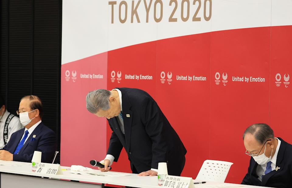 TOKYO, JAPAN - FEBRUARY 12: Tokyo 2020 Organising Committee President Yoshiro Mori bows for apology at the Tokyo 2020 Council and Executive Board meeting on February 12, 2021 in Tokyo, Japan. Mori resigned his post after being condemned for making sexist remarks.   (Photo by Yoshikazu Tsuno - Pool /Getty Images)