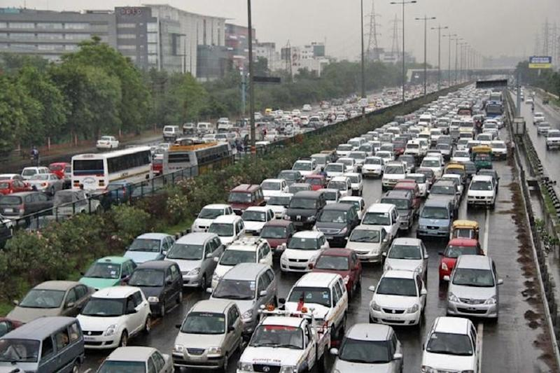 Government Unlikely to Hike Vehicle Registration Fee Due to Auto Sector Slowdown