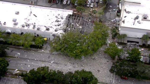 Florida shopping centre blast injures 21 as debris flung up to 90m