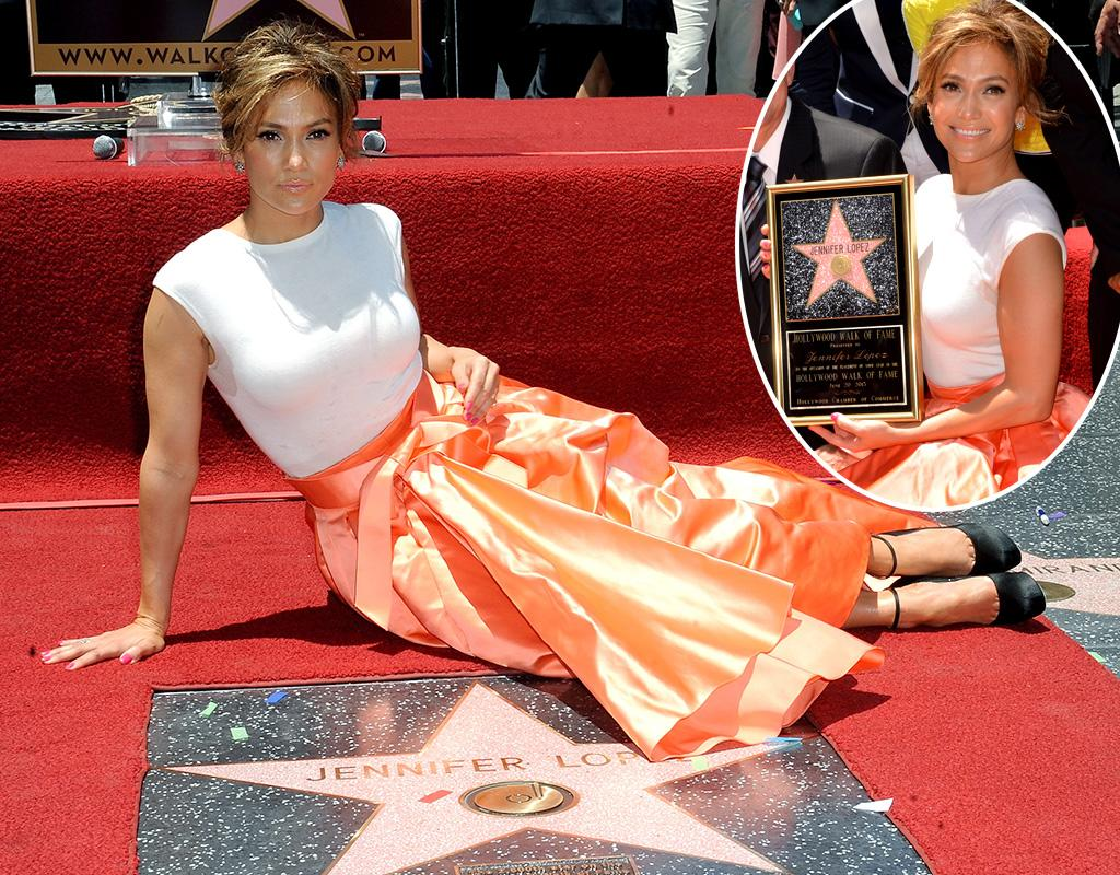 HOLLYWOOD, CA - JUNE 20:  Actress/singer  Jennifer Lopez Honored On The Hollywood Walk Of Fame on June 20, 2013 in Hollywood, California.  (Photo by Albert L. Ortega/Getty Images)