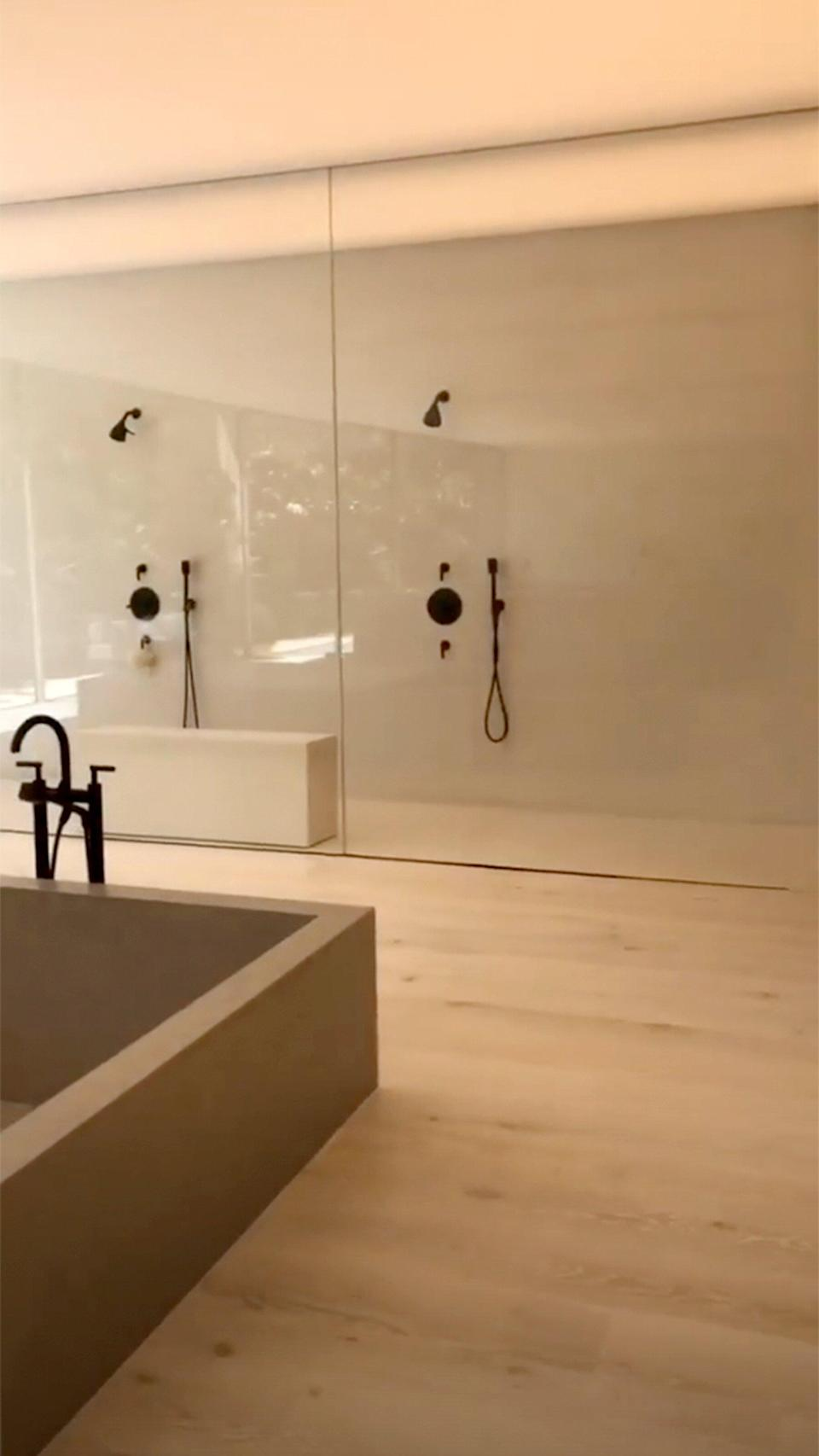 """The <a href=""""https://people.com/home/kim-kardashian-bathroom-tour-sink-tutorial/"""" rel=""""nofollow noopener"""" target=""""_blank"""" data-ylk=""""slk:mysterious sinks"""" class=""""link rapid-noclick-resp"""">mysterious sinks</a> aren't the only bathroom fixture <a href=""""https://people.com/home/kim-kardashian-bathroom-sink-price-breakdown/"""" rel=""""nofollow noopener"""" target=""""_blank"""" data-ylk=""""slk:that's minimalistic, puzzling and likely extremely expensive"""" class=""""link rapid-noclick-resp"""">that's minimalistic, puzzling and likely extremely expensive</a>."""