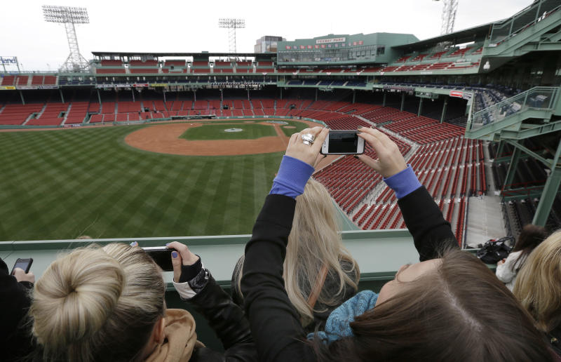Red Sox sellout run will end after nearly 10 years