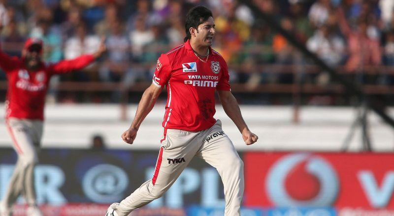 Mohit Sharma's 3-wicket haul helped Kings XI Punjab win the match comprehensively