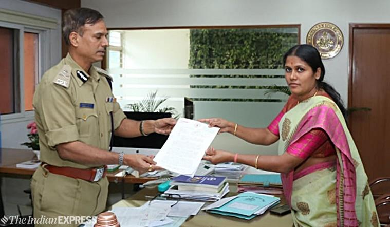 Bangalore-Bengaluru-mayor-gangambike-mallikarjun-submit-letter-fake-news-Commissioner-Alok-Kumar-759