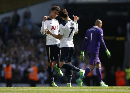 Britain Football Soccer - Tottenham Hotspur v Watford - Premier League - White Hart Lane - 8/4/17 Tottenham's Dele Alli and Son Heung-min celebrate at the end of the match Action Images via Reuters / Paul Childs Livepic