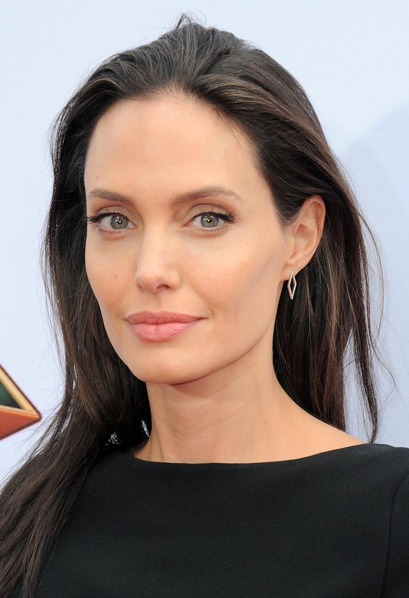 2016 just might be the year of Angelina Jolie. The actress has never looked prettier, or more her self. Bravo! Angelina Jolie at the premiere of Kung Fu Panda 3 in Hollywood, California, January 2016. Photo by Getty Images.