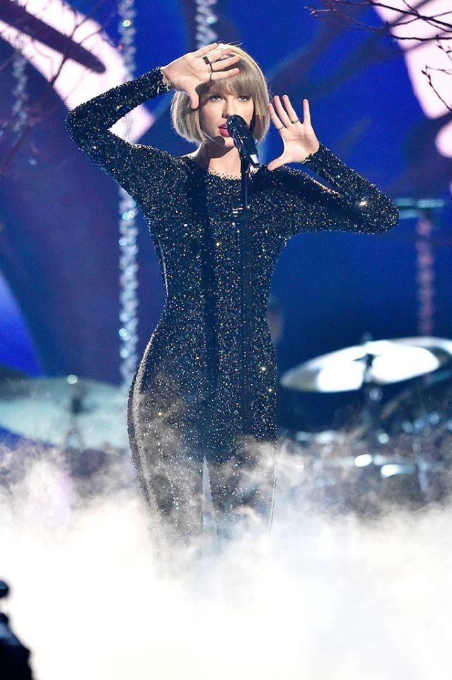 Taylor swift makes grammy history malvernweather Image collections