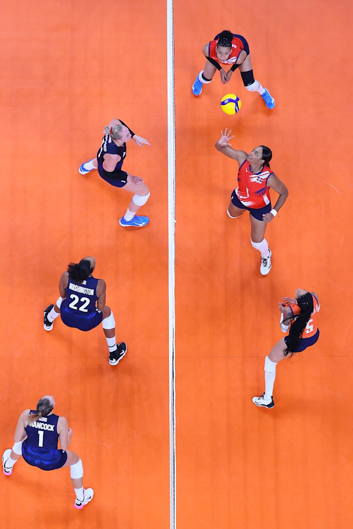 <p>Annerys Victoria Vargas Valdez #1 of Team Dominican Republic sets the ball against Team United States during the Women's Quarterfinals volleyball on day twelve of the Tokyo 2020 Olympic Games at Ariake Arena on August 04, 2021 in Tokyo, Japan. (Photo by Toru Hanai/Getty Images)</p>