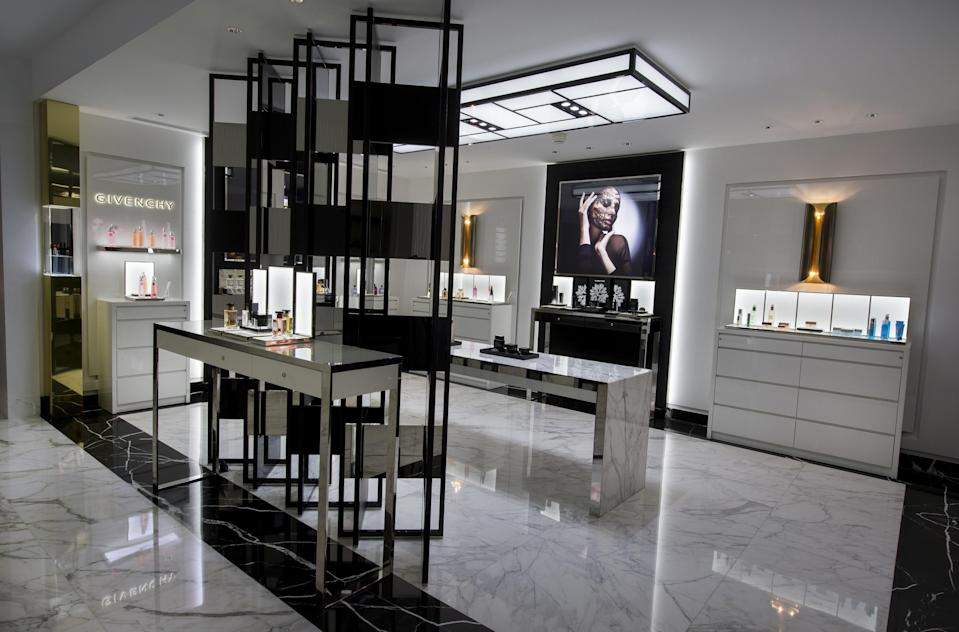 """<h1 class=""""title"""">SPA-Givenchy-Hôtel-Metrople-Monte-Carlo</h1><cite class=""""credit"""">Charly Hel</cite>"""
