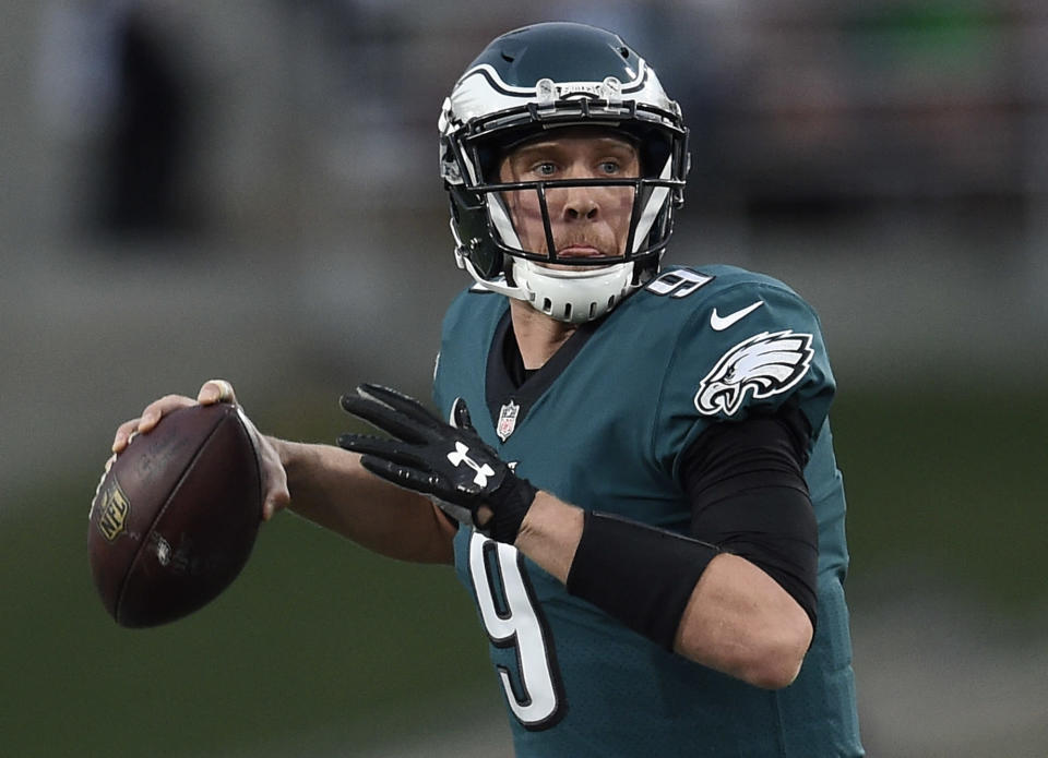 Nick Foles will replace Carson Wentz as the Eagles' starting quarterback. (AP)