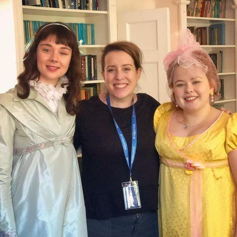 """<p>""""When I met #peneloise it was like meeting old friends. We went right in for a hug. @nicolacoughlan and Claudia Jessie are brilliant actors and fabulously lovely human beings,"""" Julia Quinn wrote.</p><p><a href=""""https://www.instagram.com/p/CJQKl7zjhZe/?utm_source=ig_embed"""" rel=""""nofollow noopener"""" target=""""_blank"""" data-ylk=""""slk:See the original post on Instagram"""" class=""""link rapid-noclick-resp"""">See the original post on Instagram</a></p>"""