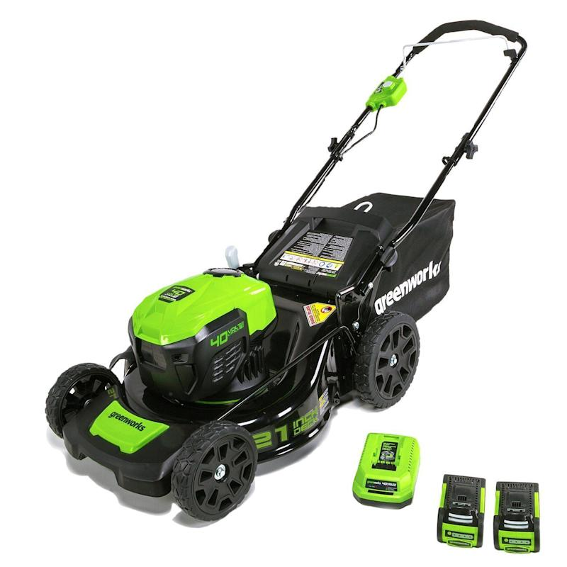 This electric lawn mower is 28 percent off. (Photo: Amazon)