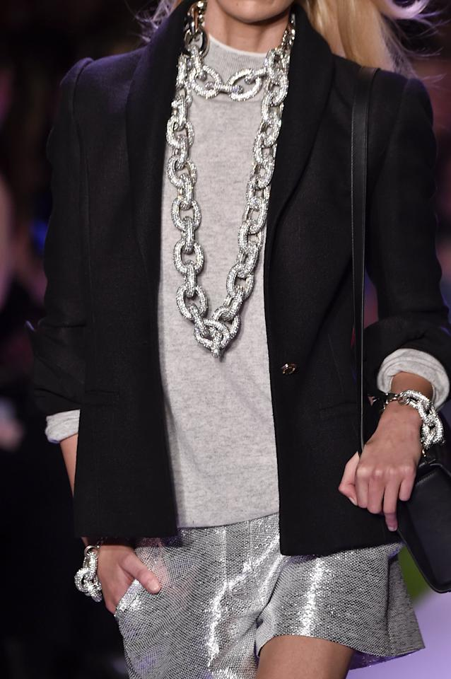 "<p>From chunky chains to sculptural shapes, necklaces are going big and bold for Spring 2020. A stylish statement for day and night, there's a look for everyone whether you're into Brandon Maxwell's glittering silver links, Zimmermann's enamel and gold chokers, or 3.1 Phillip Lim's abstract collars. For an easy-to-wear style hack, try pairing your favorite iteration with a simple t-shirt and jeans. </p> <p><a href=""https://www.popsugar.com/fashion/Brandon-Maxwell-Spring-2020-Collection-46590544"" class=""ga-track"" data-ga-category=""Related"" data-ga-label=""https://www.popsugar.com/fashion/Brandon-Maxwell-Spring-2020-Collection-46590544"" data-ga-action=""In-Line Links"">Brandon Maxwell Spring 2020</a></p>"