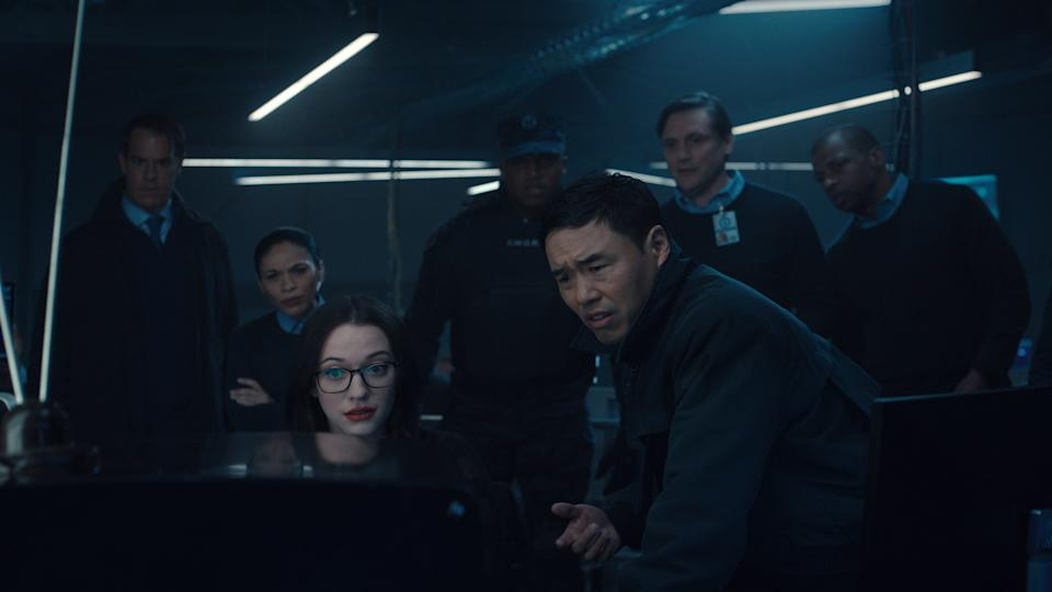 Darcy Lewis (Kat Dennings) and Jimmy Woo (Randall Park) in Wandavision