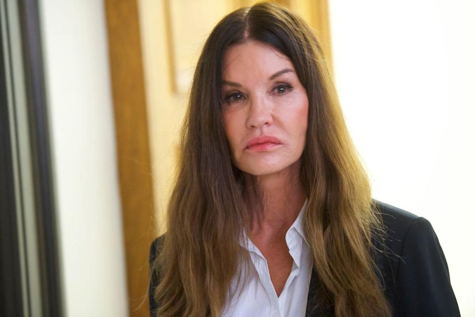 Janice Dickinson walks through Pennsylvania's Montgomery County Courthouse in a break from testifying against Bill Cosby on April 12, 2018 in Norristown. (Photo: Mark Makela/Getty Images)