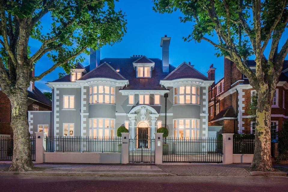 """<p>On the market for an eye-watering £28 million, this incredible London home was once the former secret meeting place of Wallis Simpson and Edward VIII. Set behind a carriage driveway, it has eight bedrooms, nine bathrooms, a communal garden and three reception rooms. </p><p><a href=""""https://www.knightfrank.co.uk/properties/residential/for-sale/elsworthy-road-london-nw3/SJW170131"""" rel=""""nofollow noopener"""" target=""""_blank"""" data-ylk=""""slk:This property is currently on the market for £28,500,000 via Knight Frank"""" class=""""link rapid-noclick-resp"""">This property is currently on the market for £28,500,000 via Knight Frank</a>. </p>"""