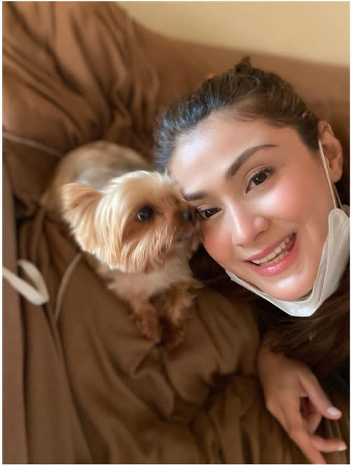 Carla Abellana with her pet Bubbly