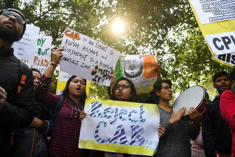 Demonstrators in New Delhi protest against the bill which will fast-track citizenship claims from refugees from three neighbouring countries, but not if they are Muslim (AFP Photo/Sajjad HUSSAIN)