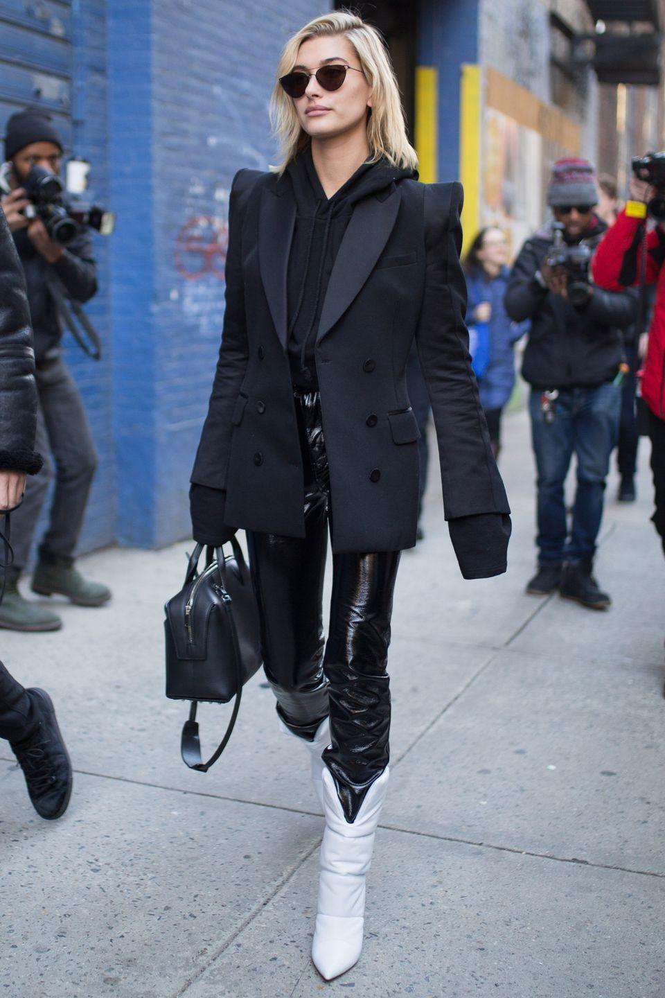 <p>Opt for a pointed toe for an elegant feel.</p>
