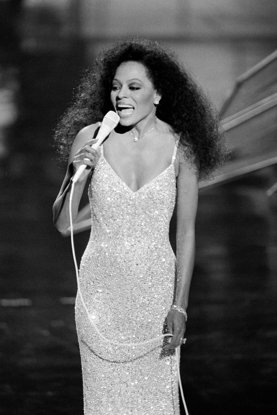 <p>Diana Ross's sparkly gown made her look like a real-life princess as she performed at the 57th annual Academy Awards. </p>