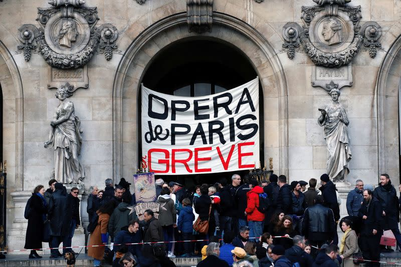France faces its twentieth consecutive day of strikes