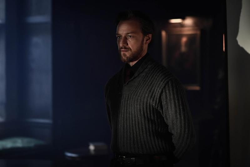 Lord Asriel (JAMES McAVOY)