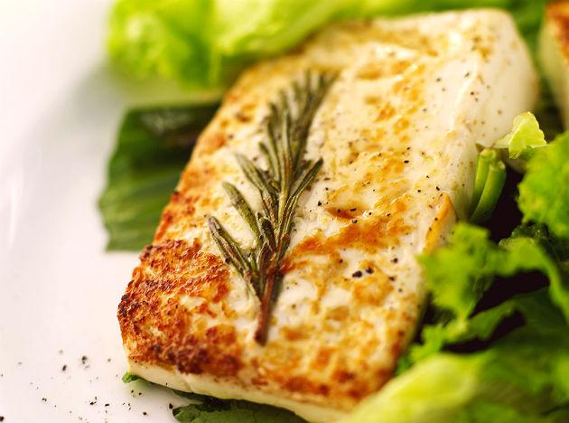 <b>Salmon: </b> Salmon, a sea fish is a great source of omega-3 fatty acids, which can help treat the cause of many common health ailments in men. It not only helps reduce LDL or bad cholesterol, it also helps alleviate depression and cuts risk of prostate and colorectal cancer.