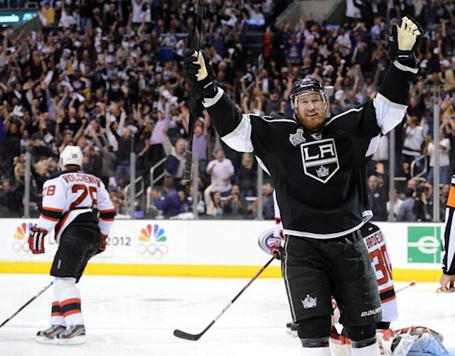 LOS ANGELES, CA - JUNE 11: Jeff Carter #77 of the Los Angeles Kings celebrates after scoring a goal in the second period against the New Jersey Devils in the second period of Game Six of the 2012 Stanley Cup Final at Staples Center on June 11, 2012 in Los Angeles, California. (Photo by Harry How/Getty Images)