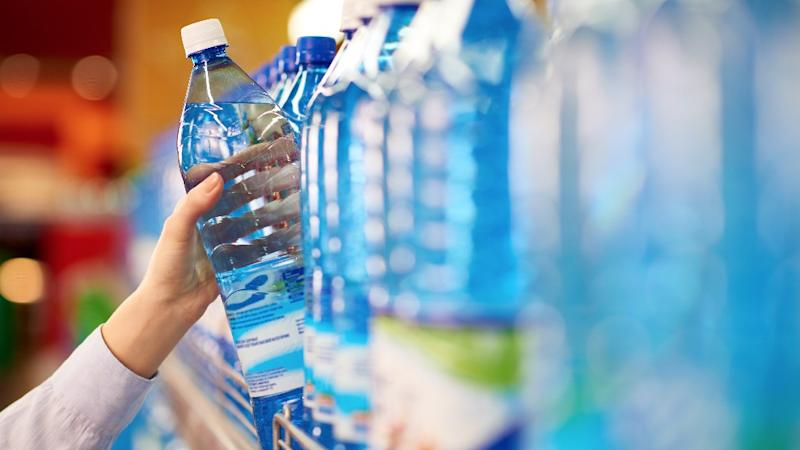 Govt Says Airports, Hotels, Malls Must Sell Water at Same Price