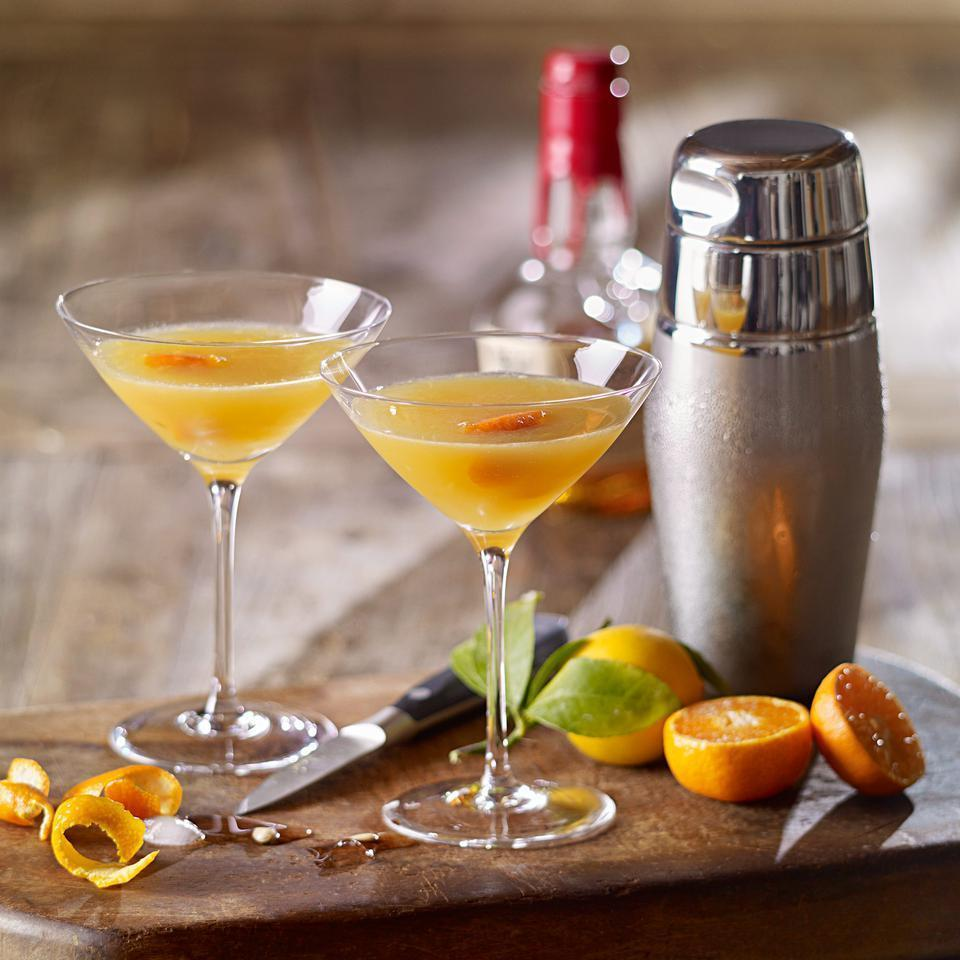 <p>A fresh twist on a classic cocktail, this quick drink recipe uses sweet tangerine juice to balance the tang of bourbon.</p>