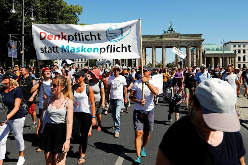 17,000 Covidiots in Berlin Take to Streets to Protest Covid-19 Curbs, Social Distancing
