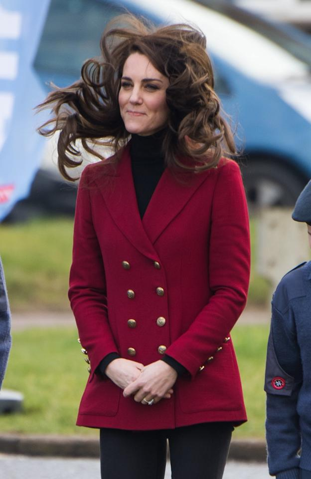 <p>El viento le jugó una mala pasada a Kate Middleton/Getty Images </p>