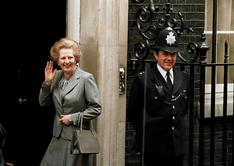 Baroness Thatcher returns 10 Downing Street from Buckingham Palace