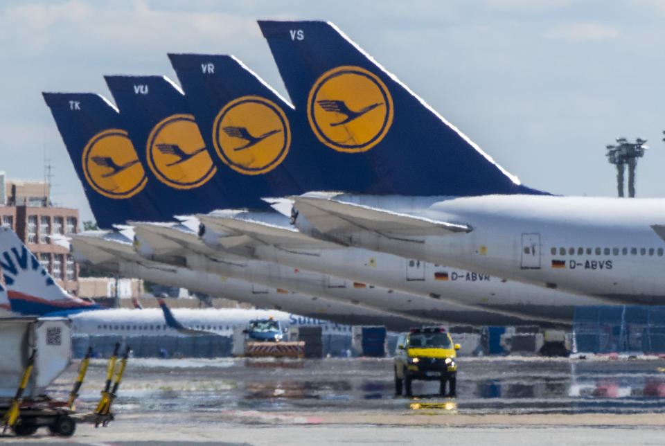 06 May 2020, Hessen, Frankfurt/Main: Decommissioned Lufthansa passenger aircraft stand on the empty runway at Frankfurt Airport. As a result of the global corona pandemic, air traffic has also almost completely collapsed at the Frankfurt hub, Lufthansa has got into massive financial difficulties. Photo: Boris Roessler/dpa (Photo by Boris Roessler/picture alliance via Getty Images)