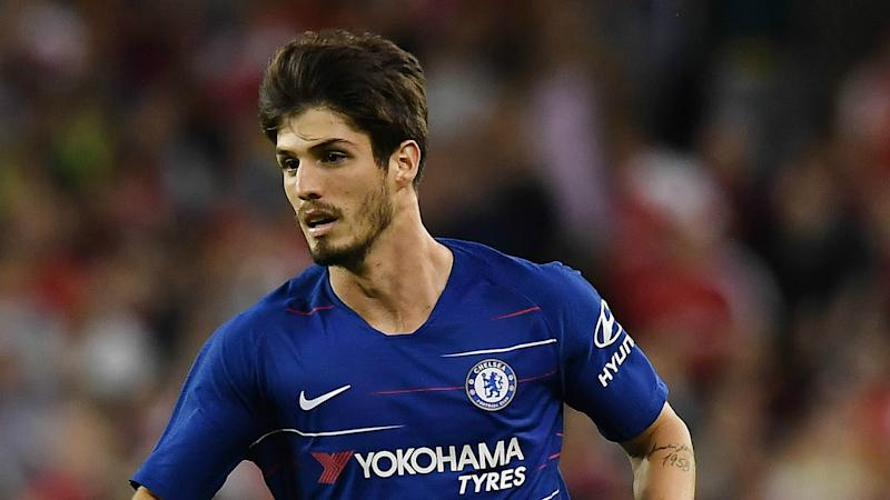 Corinthians eyeing Chelsea outcast Piazon in cut-price deal