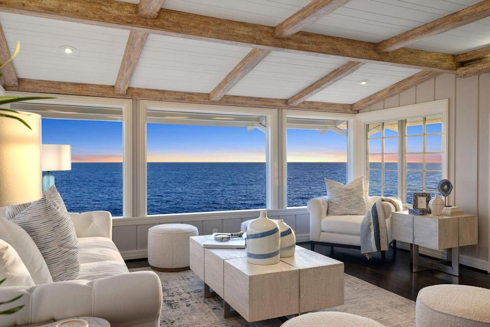 Photo credit: Pacific Sotheby's International Realty
