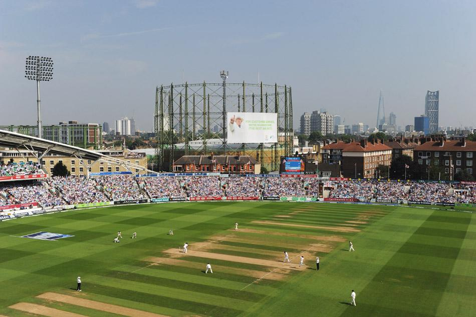 LONDON, ENGLAND - AUGUST 23: A general view during day three of the 5th Investec Ashes Test match between England and Australia at the Kia Oval on August 23, 2013 in London, England.  (Photo by Shaun Botterill/Getty Images)