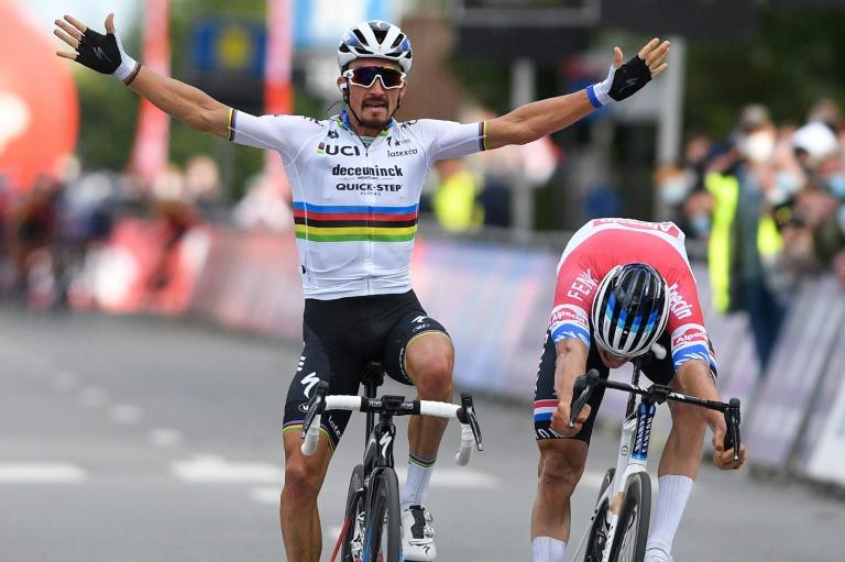 Alaphilippe blushes forgotten with Belgian semi-classic win